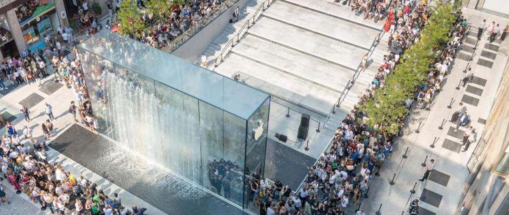 La arquitectura de Foster + Partners para la Piazza Liberty de Apple en Milán.