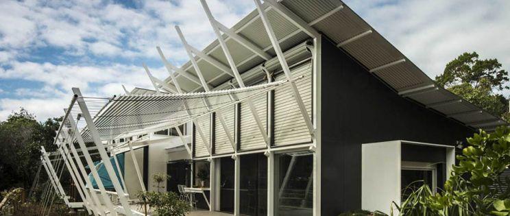 Viviendas ligeras y sostenibles que minimizan el impacto medioambiental: Stradbroke House, Gabriel Poole y Tim Bennetton Architects.