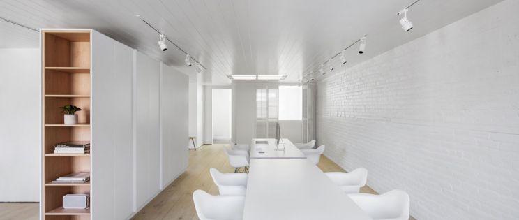Studio Bluecerigo, en Montreal, Canadá, por Alain Carle Architecte.
