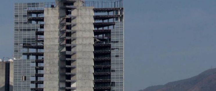 """""""Torre David"""",Caracas: Un proyecto arquitectónico de complejo comercial a edificio de ocupas más alto del mundo"""