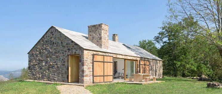 Villa Slow, arquitectura contemporánea y sostenible con aires de cabaña pasiega. Laura Álvarez Architecture.