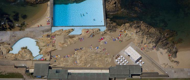 La Piscina das Marés de Álvaro Siza en obras. El arquitecto revisita su proyecto