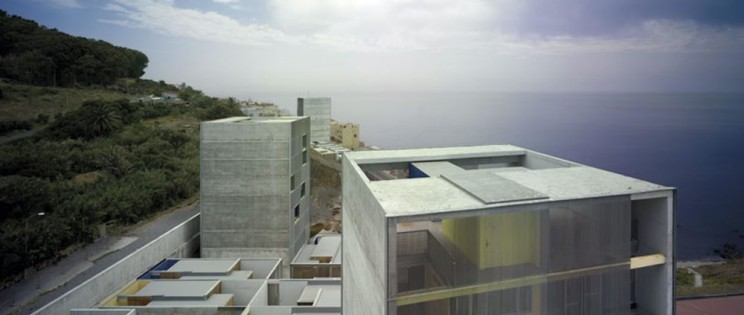 El Antes y el Después de los concursos de Arquitectura. Viviendas Sociales de MGM arquitectos, Monte Hacho (Ceuta).