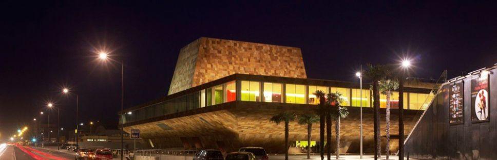 La Llotja de Lérida, arquitectura que crece del terreno. Mecanno & Labb arquitectura.